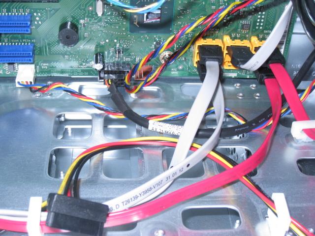 富士通のtx100S3を使ってみる -HDDの増設-